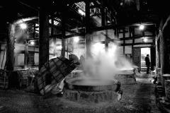 探秘燊海井传统制盐工艺