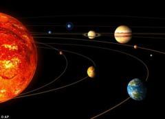 """研究称水星因受地球或金星撞击变成""""铁星"""""""