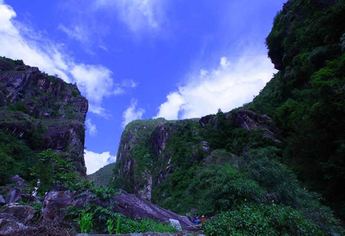云南大理州漾濞县苍山世界地质公园----石门关景区.
