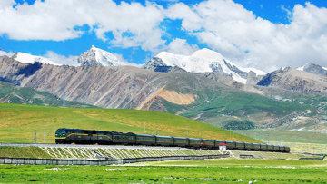 历时10年,徒行20万公里,只为拍摄震撼火车美景