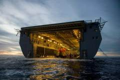 美军出动先进两栖舰回收猎户座飞船