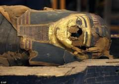 涂金石棺首次打开揭开古埃及祭司儿子奥秘