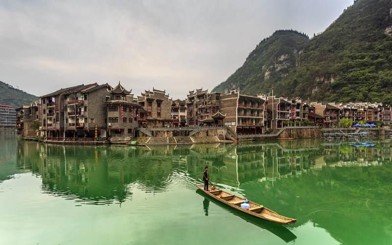 穿越中国西部的诗意之旅