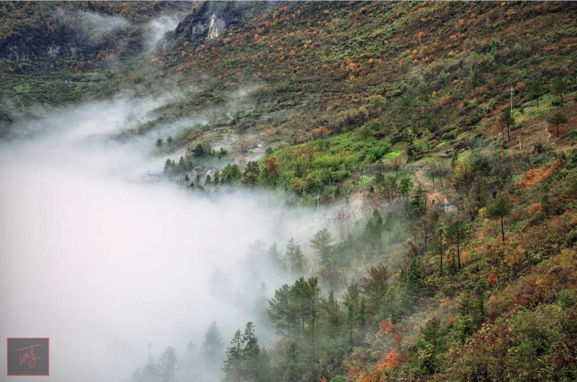 在棋盘山观景台拍的,秋天。
