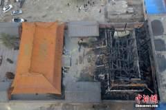 山西太原一古寺突遭大火被烧毁