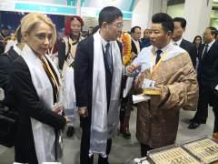 中国国家地理与青海玉树旅游局签署图书出版协议